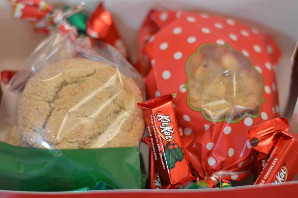 Packing and shipping cookies correctly ensures they'll get to where they need to be in one piece. Decorate your boxes to add a little extra holiday cheer.