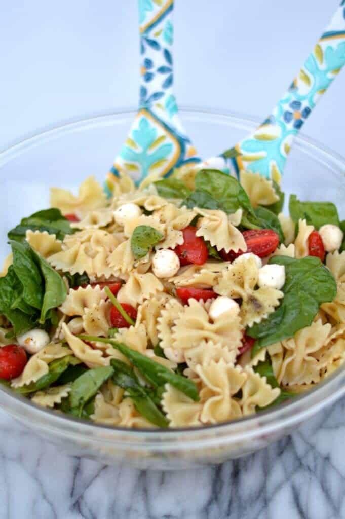 spinach tomato mozzarella pasta salad 3