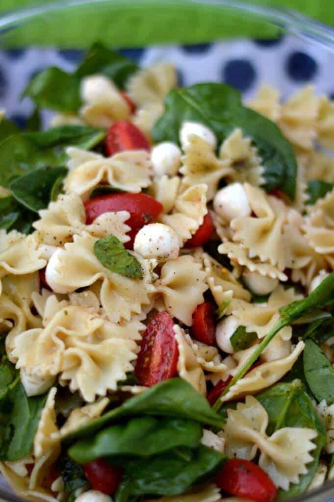spinach tomato mozzarella pasta salad 2