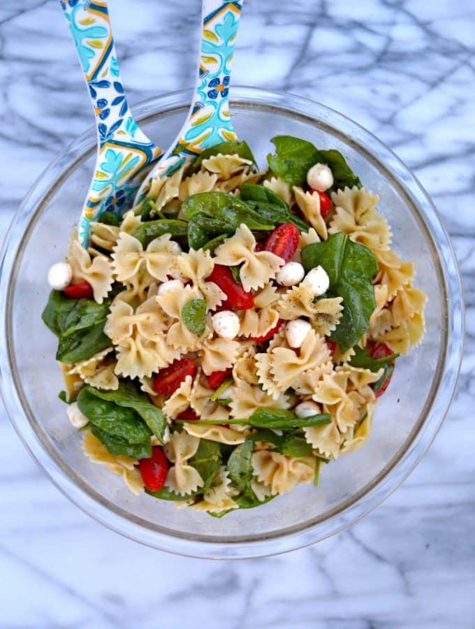 Fresh Spinach, Tomato and Mozzarella Pasta Salad