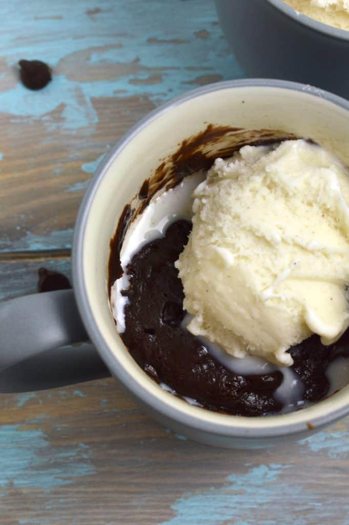 One mug and one minute to perfect mug brownie chocolaty perfection!
