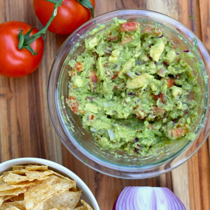 The Best Simple Guacamole